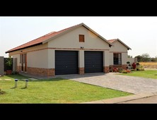 3 bed property for sale in waterval east
