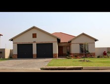 4 bed property for sale in waterval east