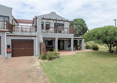 4 bed house in fisherhaven