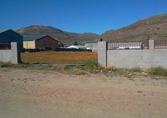 5000 m land available in springbok
